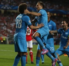 Zenit's Witsel celebrates his goal with his teammates during their Champions League Group C soccer match against Benfica at Luz stadium in Lisbon